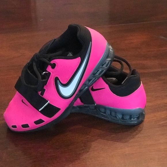 f189db02f8df Nike Romaleos 2 weightlifting shoes. PINK!! M 5a637bfa9d20f0a51ee800d0